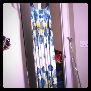 Very comfortable Maxi Dress. Size 10